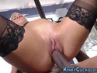 Cuckolding milf creampied