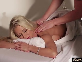 Busty stepmom screwed after the massage