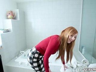 Blonde MILF Lauren Phillips fucked in the bathtub