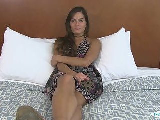 Deepthroating real babe fucked at casting
