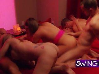 Mature swingers are feeling nerve free as they arrive to the swing house