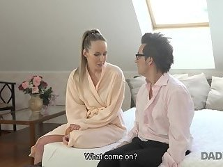 DADDY4K. Old man relaxes in bedroom with young slut Jennifer Simmons