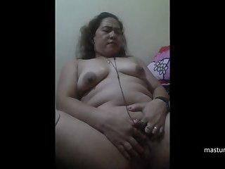 Finger solo of Peruvian Granny Daniela