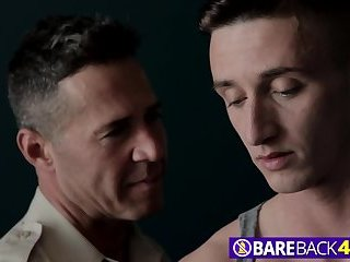 Submissive Gay Dude Lance Ford Gets Fucked Hard By Experienced Stud Dean Phoenix