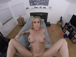 Brandi Love - Customer Service VR