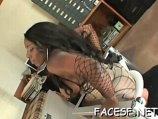 Shameless maid gets orgasm
