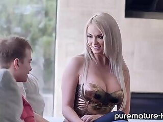 Anal sex with tall MILF
