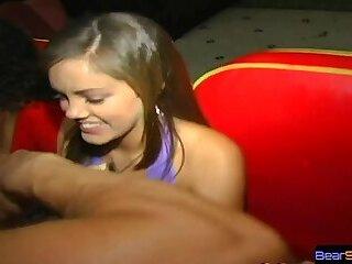OMG my girlfriend is sucking off a stripper