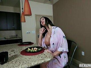Busty hot momma Jasmin Jae sucks a tasty big dick