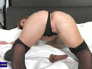 Twerking tattooed ts fingering her ass