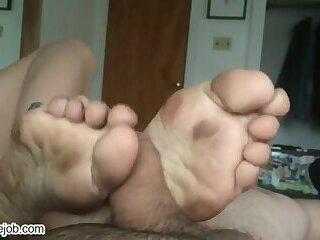 krisite yoga feet dirty soles footjob