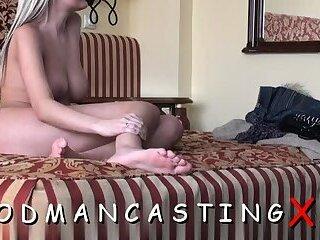 Inviting blonde floosy gets rear fuck