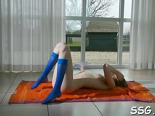 Hot russian blonde Gloria is masturbating just for fun