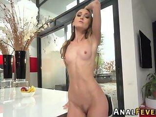 Heeled slut gets analized