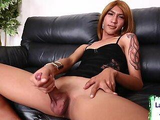 Horny tgirl mauls her juicy cock
