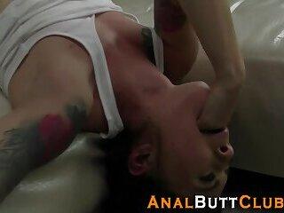 Lezbo tonguing butt