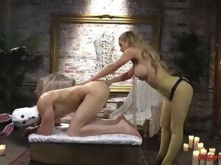 Blonde pegs a guy