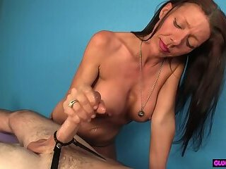 MILF massage beauty tugging clients dick