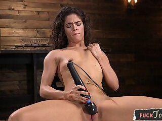 Young machine babe cums during dildoing