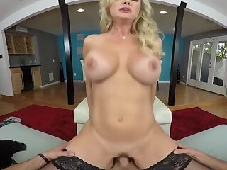 Brandi Love - Cougar Seduction VR