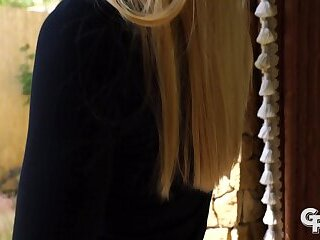Blonde MILF Lucy Heart giving a rimjob and get fucked