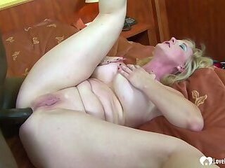 Big ass blonde babe is ready for dicking