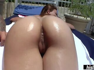 Adorable Roxy knows her way around a long dick