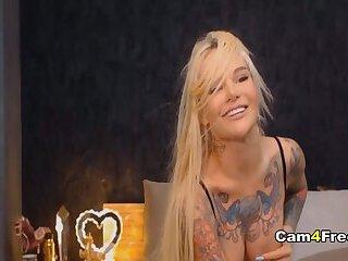 Blonde College Hottie Gets Her Honeycomb Drilled