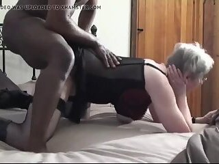 British granny Kim loves to fuck in the ass