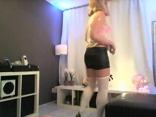 Blonde Crossdressing Babe Gets Nailed YummyButt p
