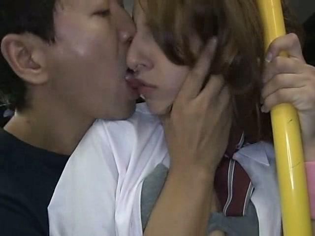 (女子校生)schoolgirl groped in a bus