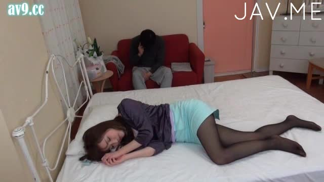 woman-sleeping-in-pantyhose-teens-nudist-pangent
