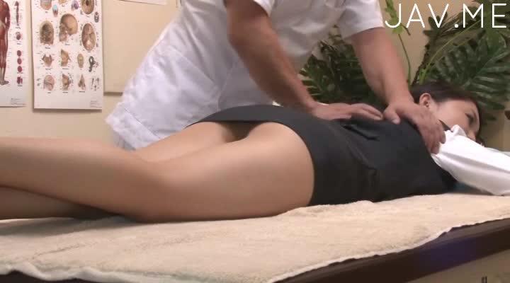 Screenshot video hot chick gets massaged