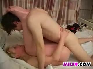 filling nude mom pussy